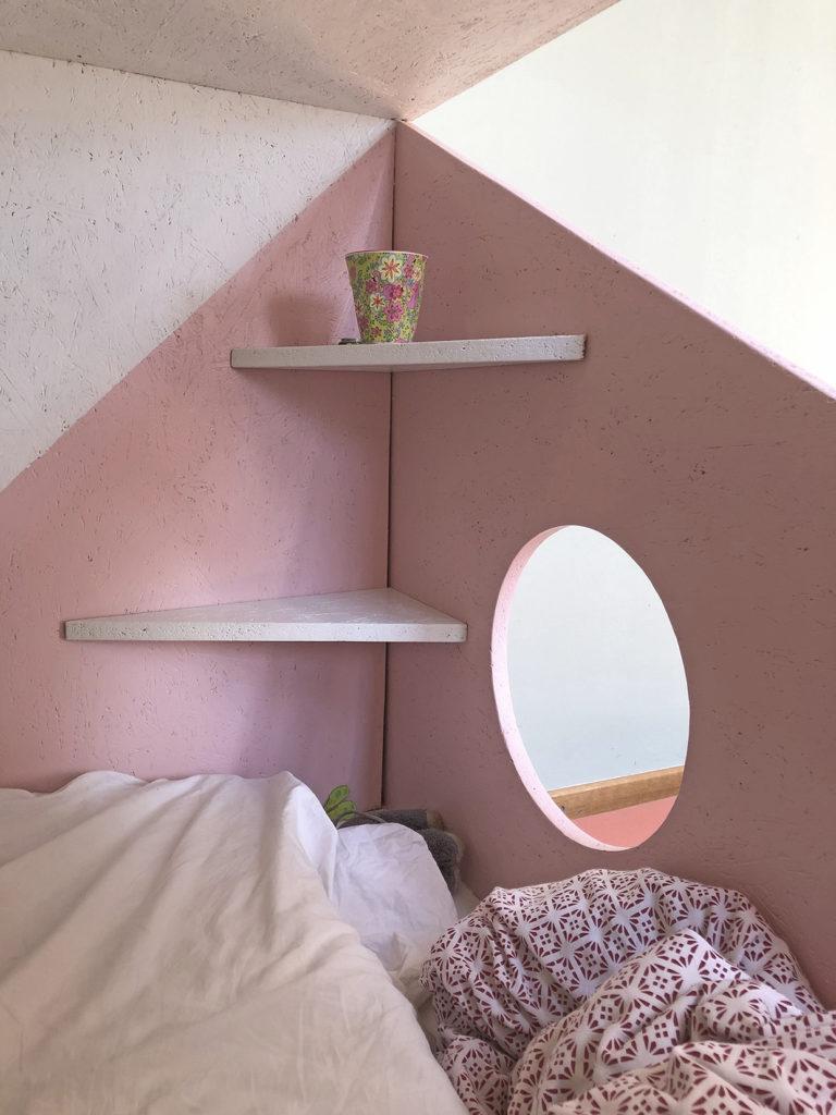 bunter Dreier Etagenbett im Kinderzimmer Detailaufnahme